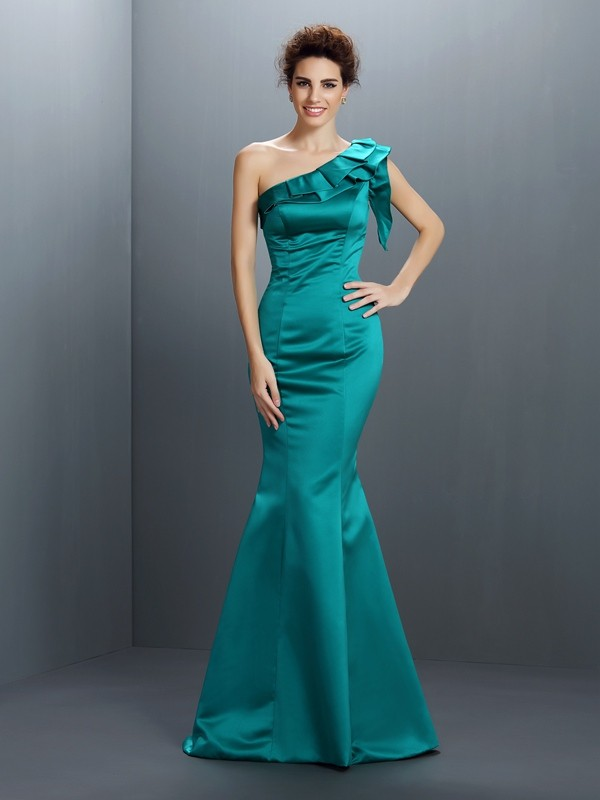 Trompete One-Shoulder-Träger Ärmellos Bodenlang Satin Kleid
